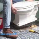Vệ sinh toilet nhà xưởng
